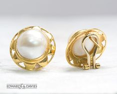 Antique Gold Mabe Pearl Stud Earrings   Antique Pearl Earrings   Antique 18k Gold Jewelry   Antique Jewellery   Vintage Earring   Mabe Pearl Pearl Stud Earrings, Pearl Studs, Gold Studs, Antique Earrings, Antique Jewelry, Vintage Jewelry, 18k Gold Jewelry, Selling Antiques, Look Vintage