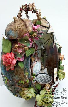 I can put my broken watch necklace and birdcage in shadow box~ reminder Breanna Vintage Alarm Clocks, Old Clocks, Altered Tins, Altered Art, Clock Craft, Clock Tattoo Design, Wonderland, Arts And Crafts, Diy Crafts