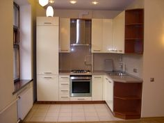small kitchen furniture solutions - shelves in cabinet edges Small Kitchen Layouts, Kitchen Sets, Kitchen Decor, Kitchen Designs, Small Kitchen Furniture, Corner Furniture, Cuisines Design, Home Kitchens, Kitchen Remodel