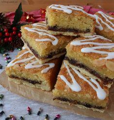 Mince Pie Bakewell Squares - The Baking Explorer - Trend Erdbeer Rhabarber Pie 2020 Bakewell Tart, Bakewell Traybake, Traybake Cake, Tray Bake Recipes, Baking Recipes, Cake Recipes, Baking Ideas, Sweet Recipes, Bake Sale Recipes