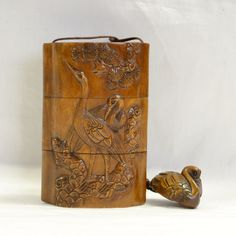 印籠 柘植 鶴と蓮 夫婦の鶴の浮彫彫刻 黄楊 繊細彫刻【楽天市場】