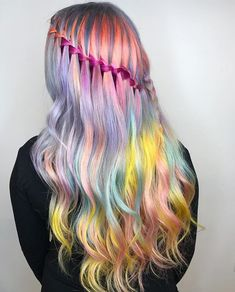 Should be working... instead I'm scrolling.... How pretty is this hair by @chitabeseau? Ok...back to work now... #hairromance