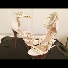 White Studded Heels NWOT Just Fab white studded heels with wooden platform and heel. Perfect for the summer!☀️☀️ JustFab Shoes Heels