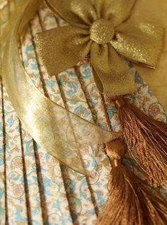 Gift - Edison Avenue: Gorgeous Gift Wrap Idea Book