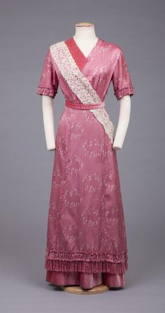 Dress - ca.1912 - The Goldstein Museum of Design