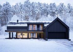 Jacek Drzewiecki Black house in. Scandinavian Architecture, Scandinavian Home, Building Design, Building A House, Black House Exterior, Exterior Windows, Modern Barn House, Modern Villa Design, Forest House