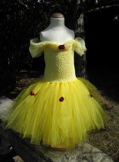 Robe tutu Princesse Belle - beauty and the beast Retrouvez toutes les robes de princesses en tutu sur la page facebook de Songe d'une Nuit d'été! https://www.facebook.com/songe.nuit.ete/ site web: http://songenuit.wix.com/songenuit