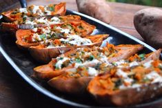 A recipe for vegan Sweet Potato Skins with an Indian twist. The skins are stuffed with kale and onions and drizzled with some cashew cinnamon cream. Primal Recipes, Raw Food Recipes, Vegetarian Recipes, Cooking Recipes, Healthy Recipes, Sweet Potato Skins, Mashed Sweet Potatoes, Savoury Finger Food, Healthy Superbowl Snacks