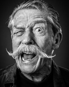 Epic John Hurt portrait by photographer Andy Gotts Black And White Portraits, Black And White Photography, People Photography, Portrait Photography, Icon Photography, London Photography, Product Photography, Andy Gotts, Fotografie Portraits