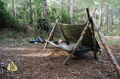Construyendo una cama Bushcraft Make a Bushcraft bed