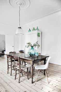 copenhagen- interior- neutral- dining room raw table