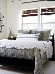 Winter Bedroom Inspiration (love this layered bedding!) Click over for more inspiring images!