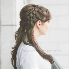 Emily, The Freckled Fox, designed this elegant-meets-easygoing hairstyle that she says works for many hair lengths and textures. #Hairstyles #Wedding