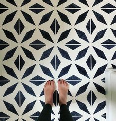 How I Painted my Outdated Linoleum Floors, DIY Home Projects, Bathroom Floor Remodel, Painted Floors - Painting Linoleum Floors is a quick and inexpensive way to update a room. Black and White Bathroom - Painted Bathroom Floors, Stenciled Tile Floor, Painted Vinyl Floors, Bathroom Flooring, Floor Stencil, Bathroom Stencil, Stencil Diy, Stencil Painting, Paint Stencils