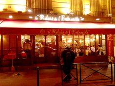 The famous #Paris Restaurant, Relais de l'Entrecôte Saint-Germain #SteakFrites