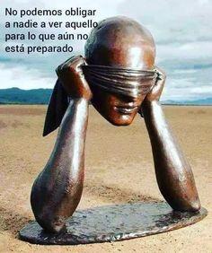 Bronze Sculpture by Sergio Bustamante Statues, Mexican Artists, Foto Art, Modern Sculpture, Art Sculptures, Art Installations, Benjamin Franklin, Land Art, Public Art