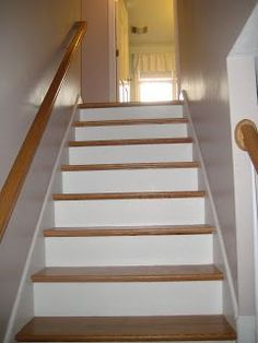 A Colonial Cottage: The Stare at my Staircase Party Cottage Staircase, Narrow Staircase, Staircase Design, Staircase Ideas, Colonial Cottage, Wooden Cottage, Staircase Makeover, Bannister, Stair Treads