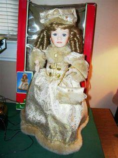 Is Porcelain China Vintage Porcelain Dolls, Porcelain Jewelry, China Porcelain, Indian Dolls, Victorian Dolls, China Painting, Ginger Jars, Tea Cups, Shapes