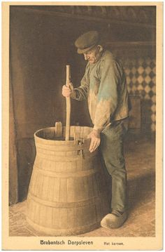 Het karnen van boter door de boer
