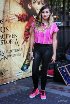 Fucsia & Black - Street style Mexico