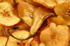 Jak sušit ovoce a zeleninu - Slovak Recipes, Snack Recipes, Snacks, Dried Fruit, Sweet Desserts, Kitchen Hacks, Oven, Food And Drink, Chips
