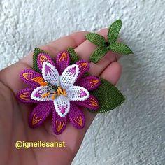 Image may contain: flower Irish Crochet, Crochet Motif, Piercings, Barbie, Needle Lace, Baby Knitting Patterns, Tatting, Diy And Crafts, Crochet Earrings