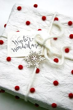 Winter Wonderland white & red dotted gift wrapping