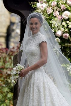 Pippa Middleton Wedding Dress Pictures — See Her Gown – Hollywood Life Wedding Robe, Wedding Dress Backs, Wedding Dress Pictures, Wedding Veil, White Wedding Dresses, Pippa Middleton Wedding Dress, Princesa Diana, Royal Weddings, Wedding Goals