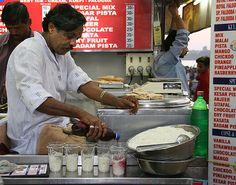 #StreetFood in #Mumbai various #Kulfi #Falooda #Street #Food #India #ekPlate #ekplatefalooda