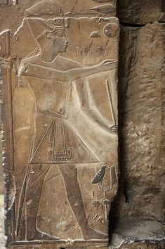 Relief depicting pharaoh Amenhotep III wearing the blue crown (Khepresh), detail from a wall at Luxor Temple, century BC. Ancient Art, Ancient Egypt, Ancient History, Egypt Tourism, Places In Egypt, Egypt Museum, Amenhotep Iii, Luxor Temple, Ancient Civilizations