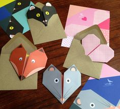 Les petits papiers de Lollipop, des cartes origami en tête d'animaux.   Stationery paper from Lollipop designs, origami cards shaped in animal heads.