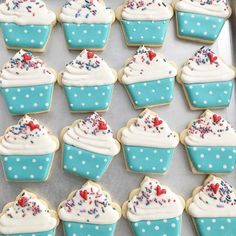 Snow Days are make all the cookies days! Ice Cream Cookies, Fancy Cookies, Sweet Cookies, Iced Cookies, Cupcake Cookies, Cookies Et Biscuits, Cupcakes, Sugar Cookie Royal Icing, Kid Desserts