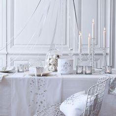 Christmas Table Setting White Table Cloth