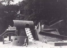 Pierre Szekely's Midcentury Modern Playgrounds Modern Playground, Playground Design, Backyard Playground, Modern Buildings, Beautiful Buildings, Cool Playgrounds, Parcs, Brutalist, Public Art