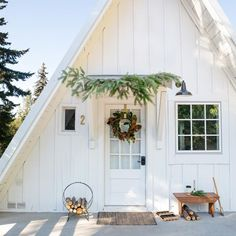Attractive Modern Farmhouse Home Exterior Design Ideas - Page 28 of 51 - Farida Decor A Frame Cabin, A Frame House Plans, Cabins And Cottages, Cozy Cottage, Brick Cottage, White Cottage, Cozy Cabin, Cottage Ideas, Cabins In The Woods