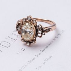 I love good wedding rings! Especially when they're vintage