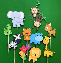 Jungle animals cupcake toppers, zoo animals toppers, wild animals toppers, jungle gym, monkey topper - Rush Tutorial and Ideas Jungle Theme Birthday, Jungle Party, Safari Party, Animal Birthday, Jungle Gym, Jungle Lion, Zoo Birthday, Safari Cupcakes, Lion Cupcakes