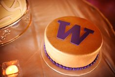 University of Washington Cake!  YUM!!