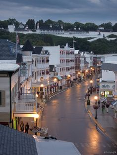 Mackinac Island, Michigan-would love to sta in the grand hotel! Beautiful Places To Visit, Oh The Places You'll Go, Wonderful Places, Great Places, Places To Travel, Amazing Places, Travel Destinations, Michigan Usa, Michigan Travel
