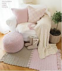 inspirasjon barnerom jente - Google-søk Hanging Canvas, Modern Kitchen Design, Room Inspiration, Kids Room, Armchair, Layout, Couch, Throw Pillows, Blanket