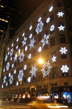 NYC - Sak's 5th Avenue Holiday Light Show