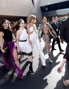 Squad goals. Taylor, Zendaya, Hailee, Mara and Lily at the BBAs
