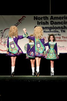 Four hand ceili dance. Seems interesting, not sure if I will be able to master it but I can't wait to give it a try.