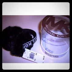 ❄️ Michael Kors Fashion Black White Fur Earmuffs ❄️ Stay cozy with this Michael Kors Fashion Black & White Faux Fur Earmuffs perfect for cold fall and winter season to go with that winter scarf and gloves ❄️   New WithOUT Tags & In Gift Box!  MSRP: $55.00+ TAX  Style: 535427 One Size   Black And White Michael Kors Monogram Logo Michael Kors Accessories