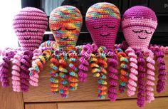 Pinned for ideas Octopus Crochet Pattern, Crochet Patterns, Preemie Octopus, Crochet Baby, Knit Crochet, Knitting For Beginners, Crochet Animals, Christmas Angels, Softies