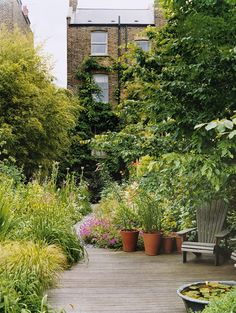 60 Beautiful Small Cottage Garden Ideas for Backyard Inspirations - decoration Back Gardens, Small Gardens, Outdoor Gardens, City Gardens, Small Cottage Garden Ideas, Garden Cottage, Urban Garden Design, Dream Garden, Garden Inspiration