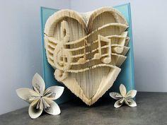 Cut and fold book - Music - Heart - Love - Valentine's gift - Book sculpture - Altered book - Craft de la boutique Plibook sur Etsy