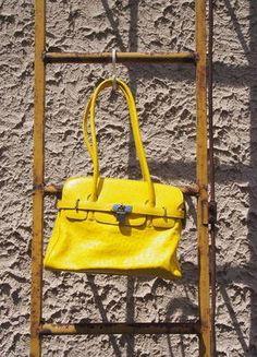 Kupuj mé předměty na #vinted http://www.vinted.cz/damske-tasky-a-batohy/tasky-pres-rameno/16892554-zluta-kozena-birkin-kabelka