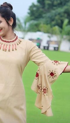 Kurti Sleeves Design, Kurta Neck Design, Sleeves Designs For Dresses, Dress Neck Designs, Stylish Dress Designs, Sleeve Designs, New Kurti Designs, Sari Blouse Designs, Kurta Designs Women