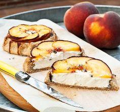 Galette cheese & Peach #Pepekitchen.com